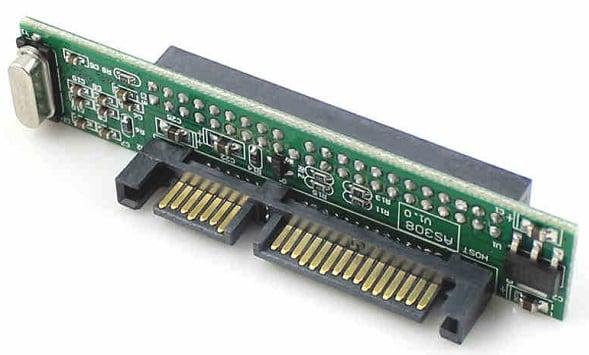 Контактный разъём SATA