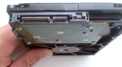 Разъёмы под SATA у жёсткого диска
