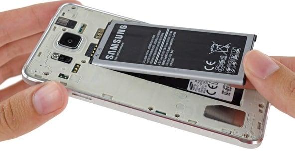 Изымите батарею телефона перед прошивкой