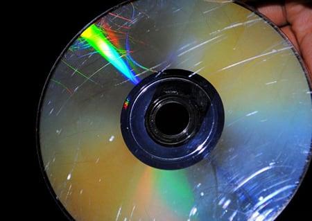 Пример поцарапанного компакт-диск