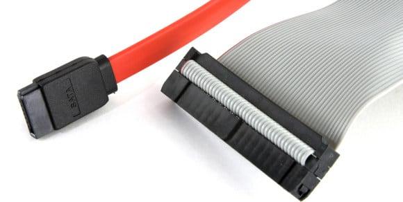 Кабели для подключения дисков IDE и SATA