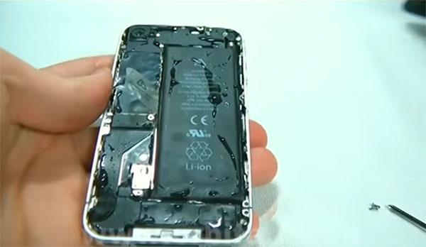 Телефон без задней крышки